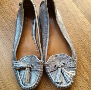 《COACH》Tassle Loafers In Silver